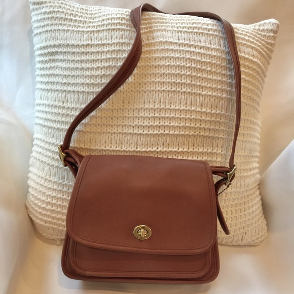 coach bags vintage crossbody in excellent condition poshmark rh poshmark com